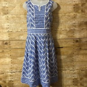 Patterned Dress With Pockets Size 6P